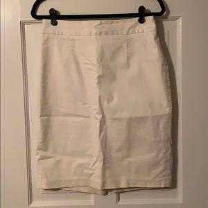 Banana Republic White Skirt, Size 6